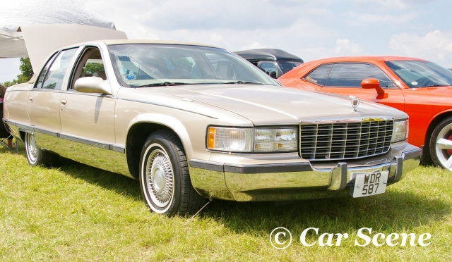 1989 Cadillac DeVille front three quarters view