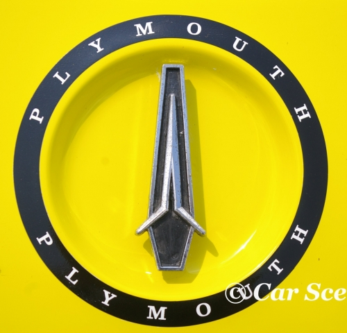 1972 Plymouth Road Runner II front badge