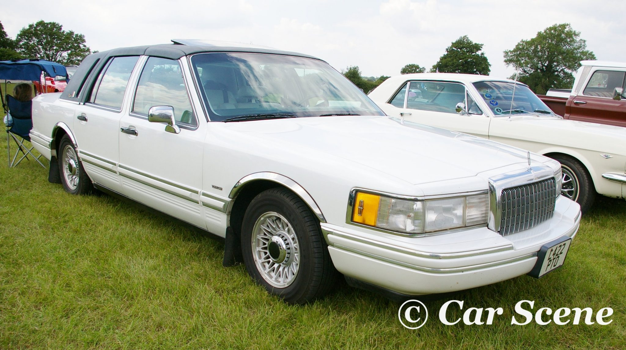 Mid 1980s Lincoln Continental front three quarters view