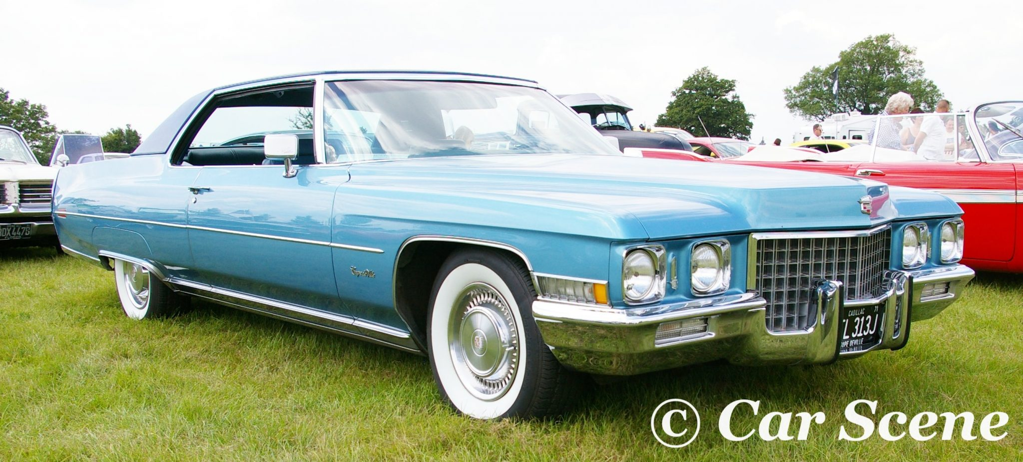1971 Cadillac Coupe De Ville front three quarters view