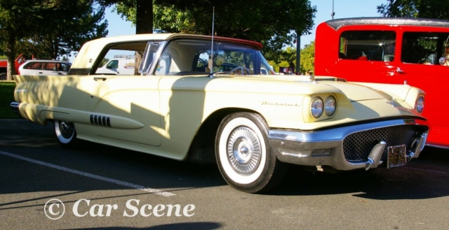 1959 Ford Thunderbird front three quarters view