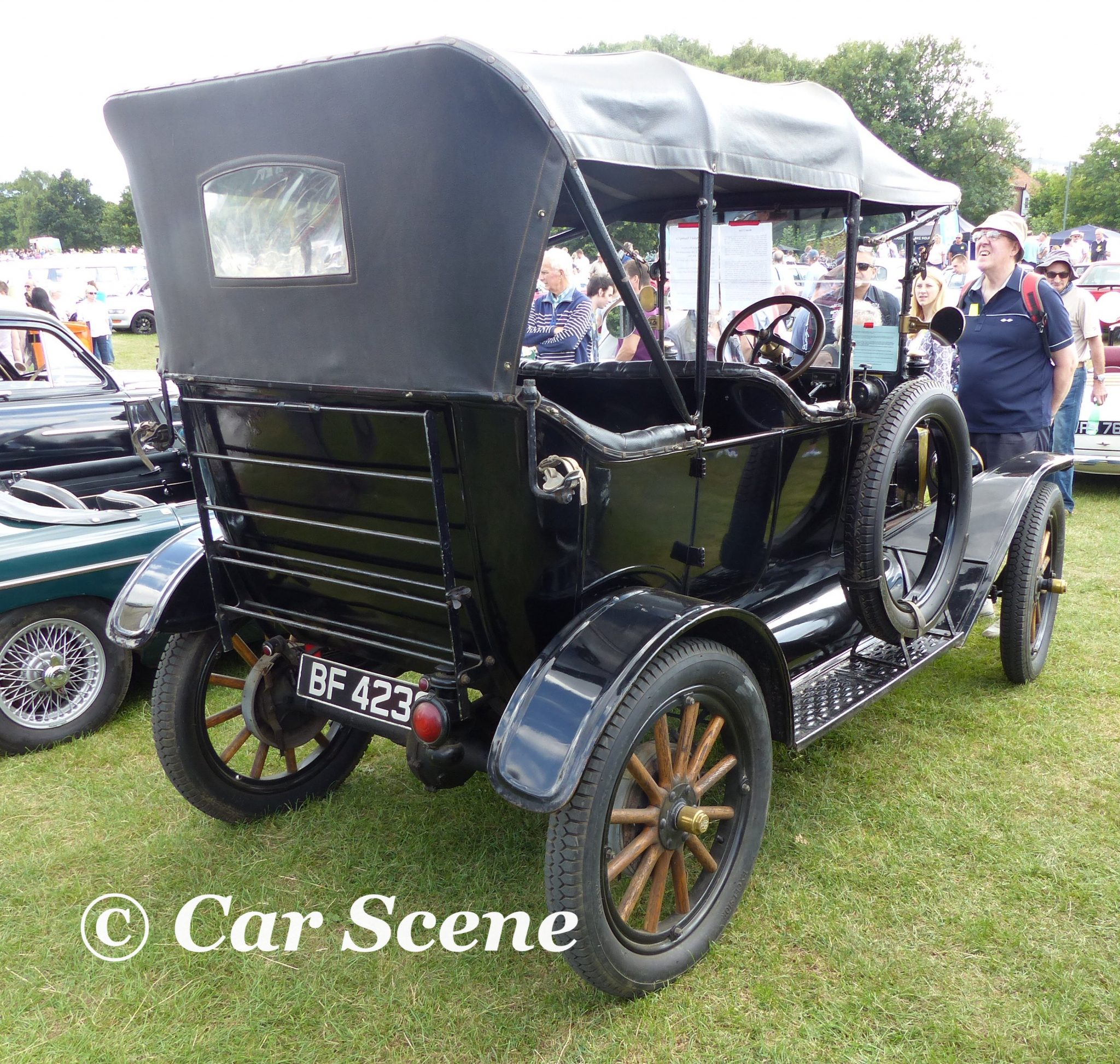 1915 Ford Model T Tourer rear three quarter view