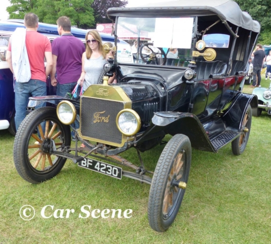 1915 Ford Model T Tourer front three quarters view