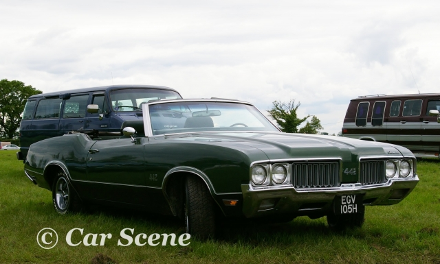 1970 Oldsmobile 442 Convertible front three quarters view