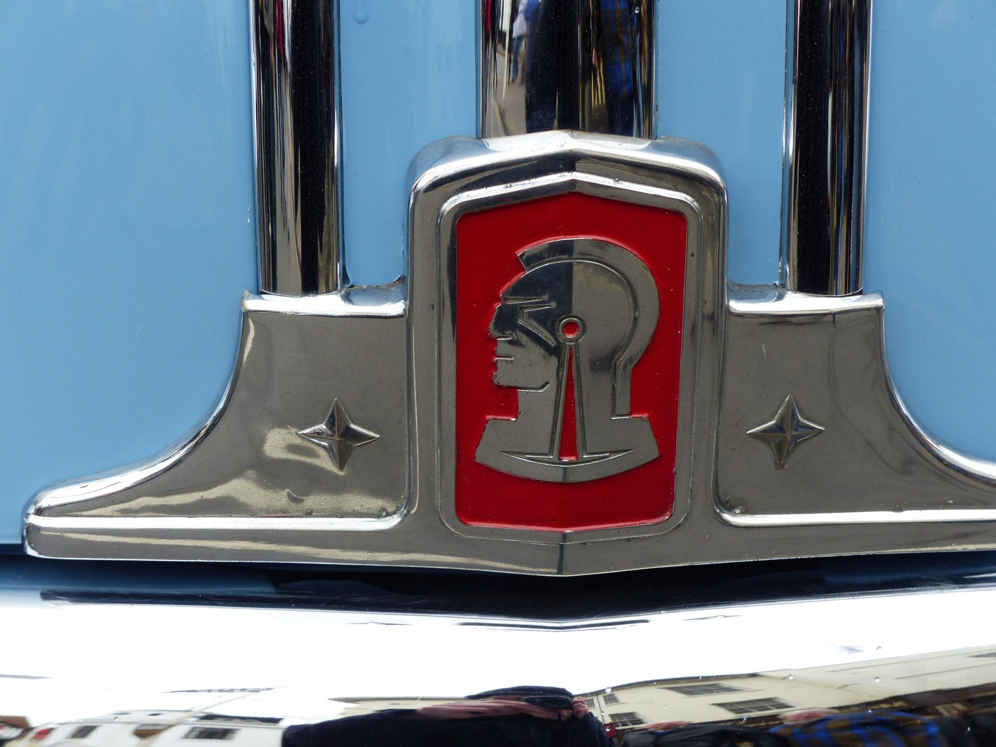 1948 Pontiac front hood badge
