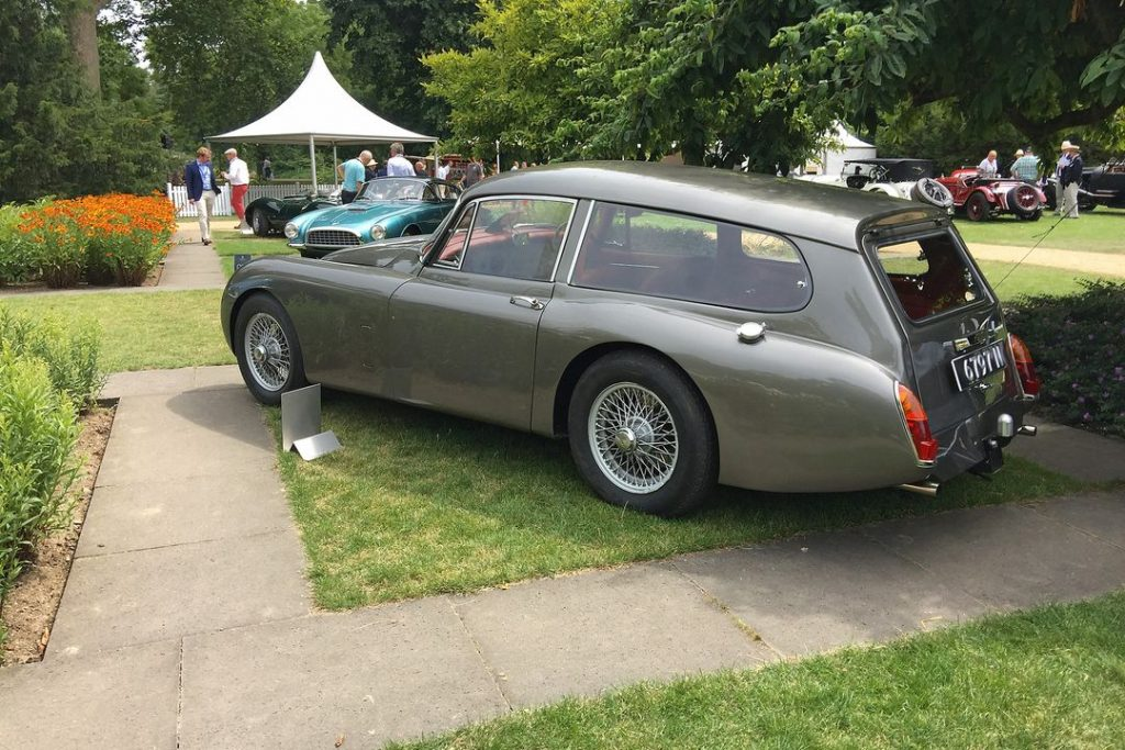 1967 Jaguar XK 150 Estate