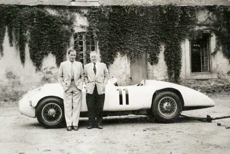 Nash Healey with drivers Johnson and Hadley LM 1953