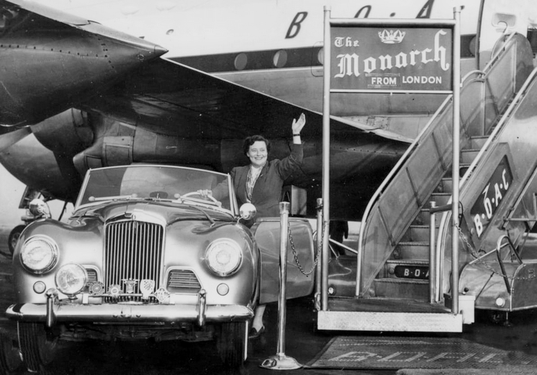 Sheila Van Damm with her Sunbeam Talbot Alpine
