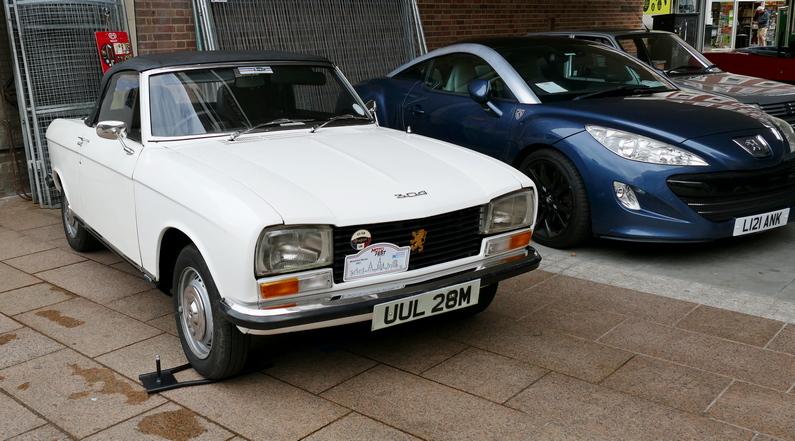 Peugeot 304 Cabrio.